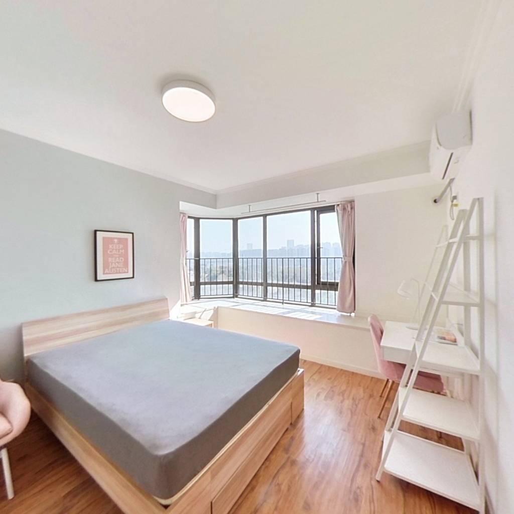 合租·龙湖春江彼岸 5室1厅 北卧室图