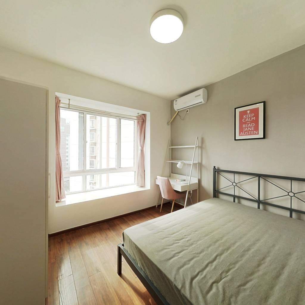 合租·天府名居 4室1厅 东卧室图