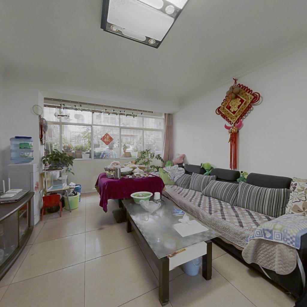 金沙小区;标准小3室,优质楼层,南北朝向光线充足,