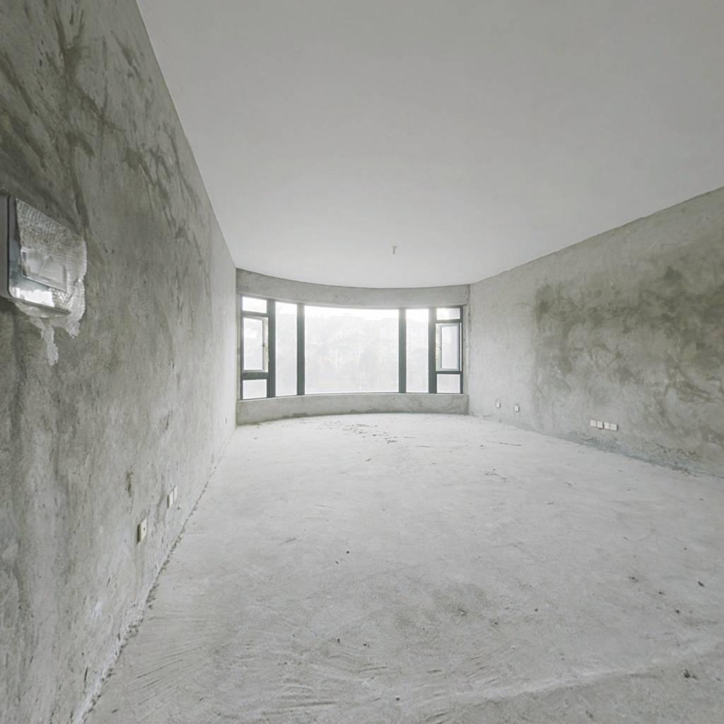 吉大山海一品277 平4室,精装,环境优雅,居住适宜