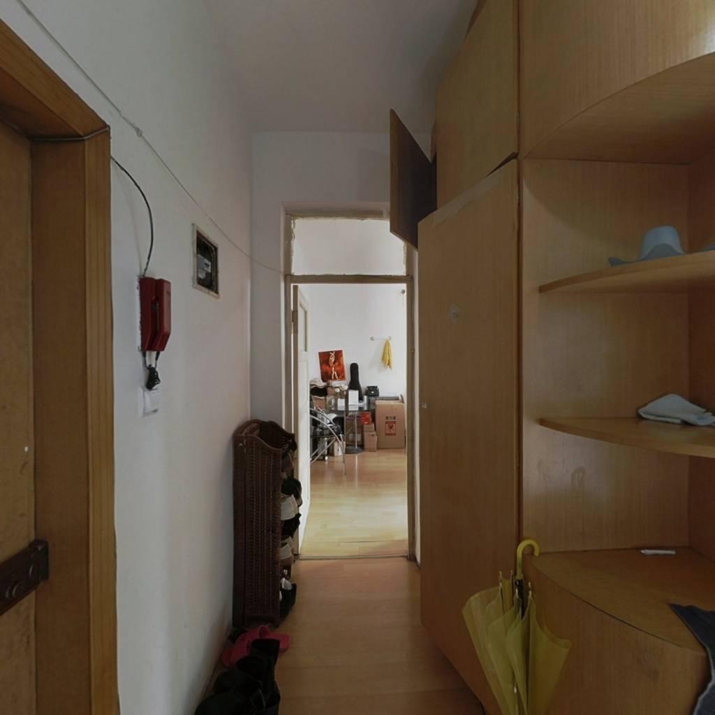 大万莲小区,一室一厅,采光充足