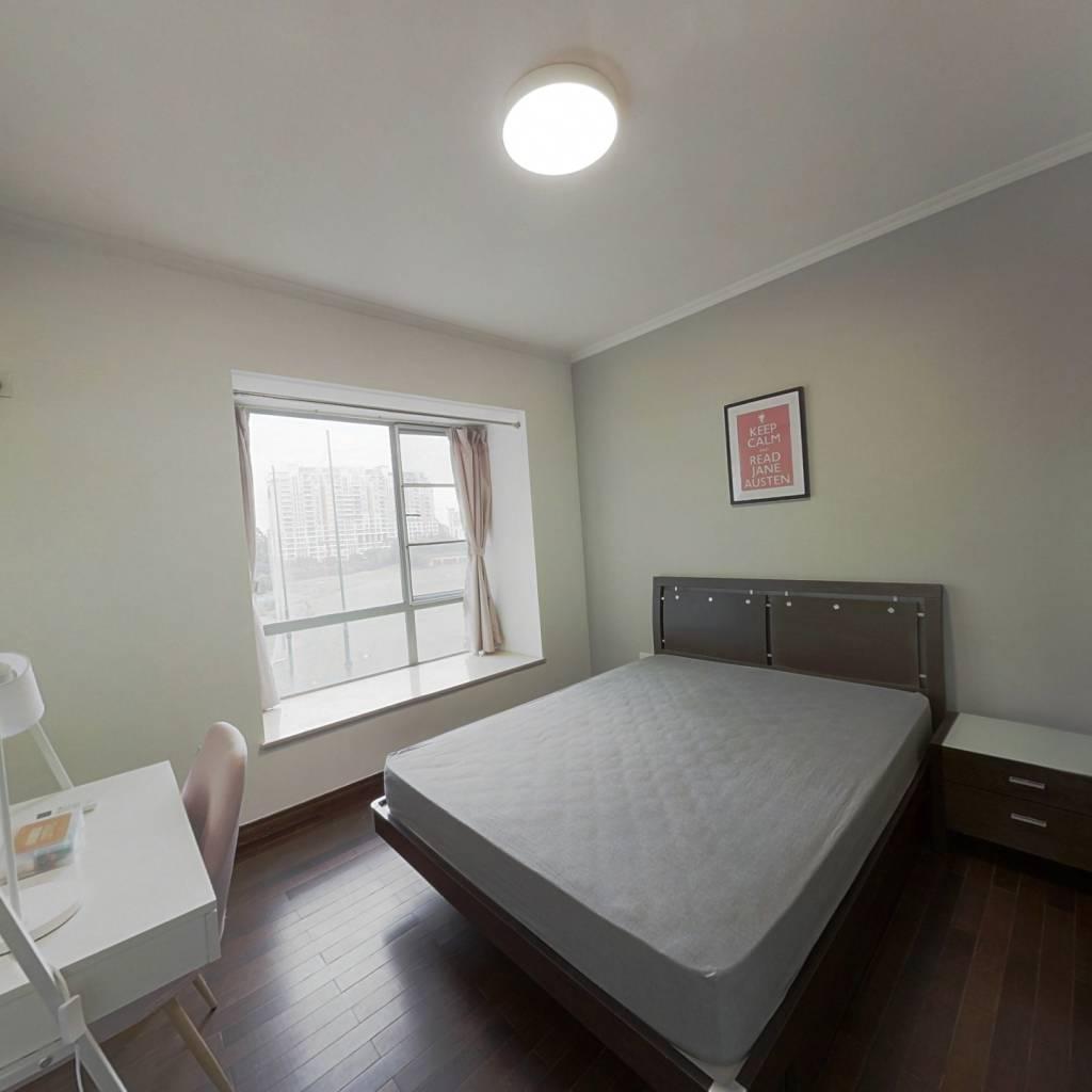 合租·南国奥林匹克花园 4室1厅 东北卧室图