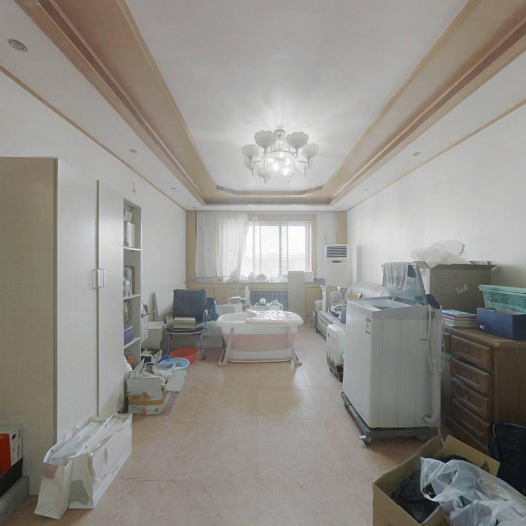 京科苑大三居,中间楼层,中等装修
