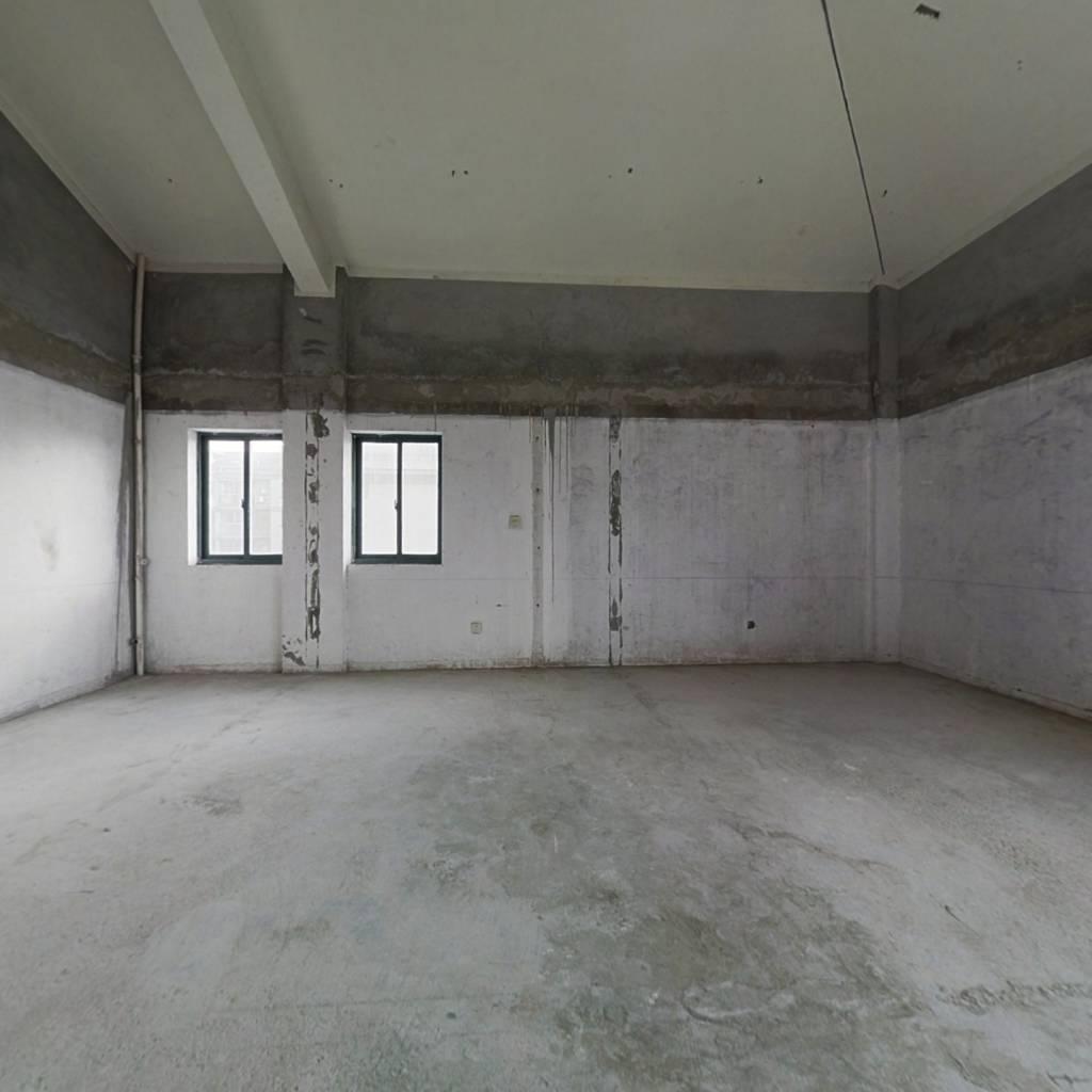 秦峰广场 公寓 可做挑高 有钥匙 随时可以看房
