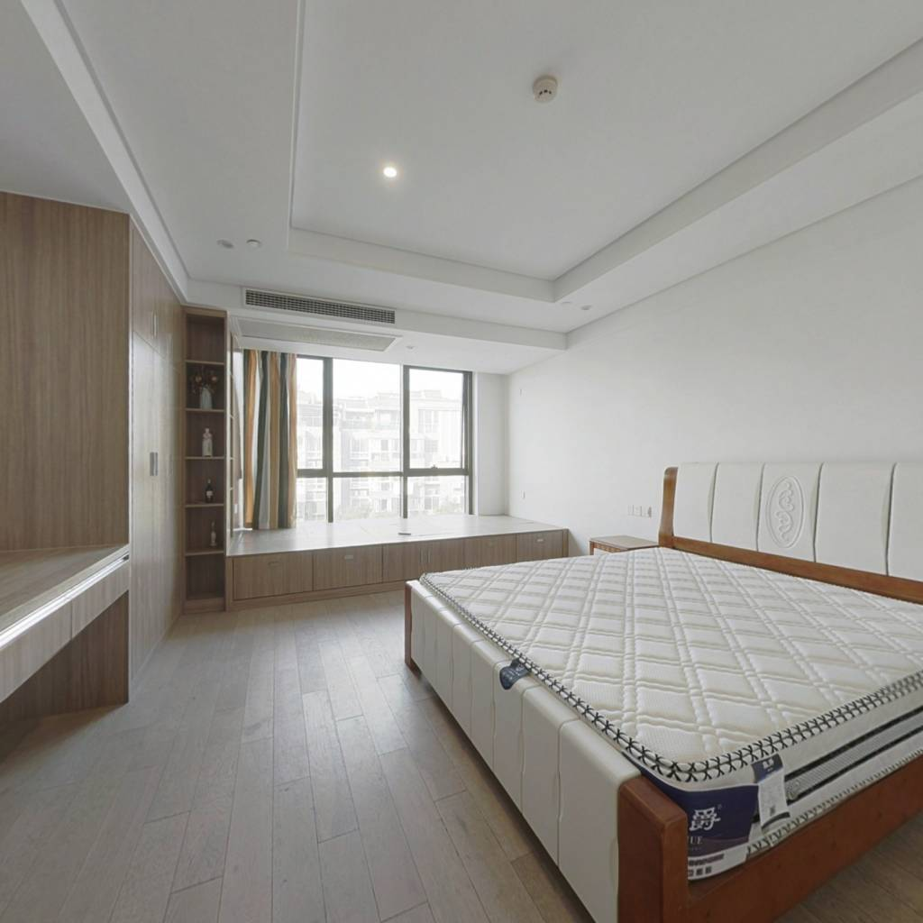 龙之梦悦庭 1室1厅 南
