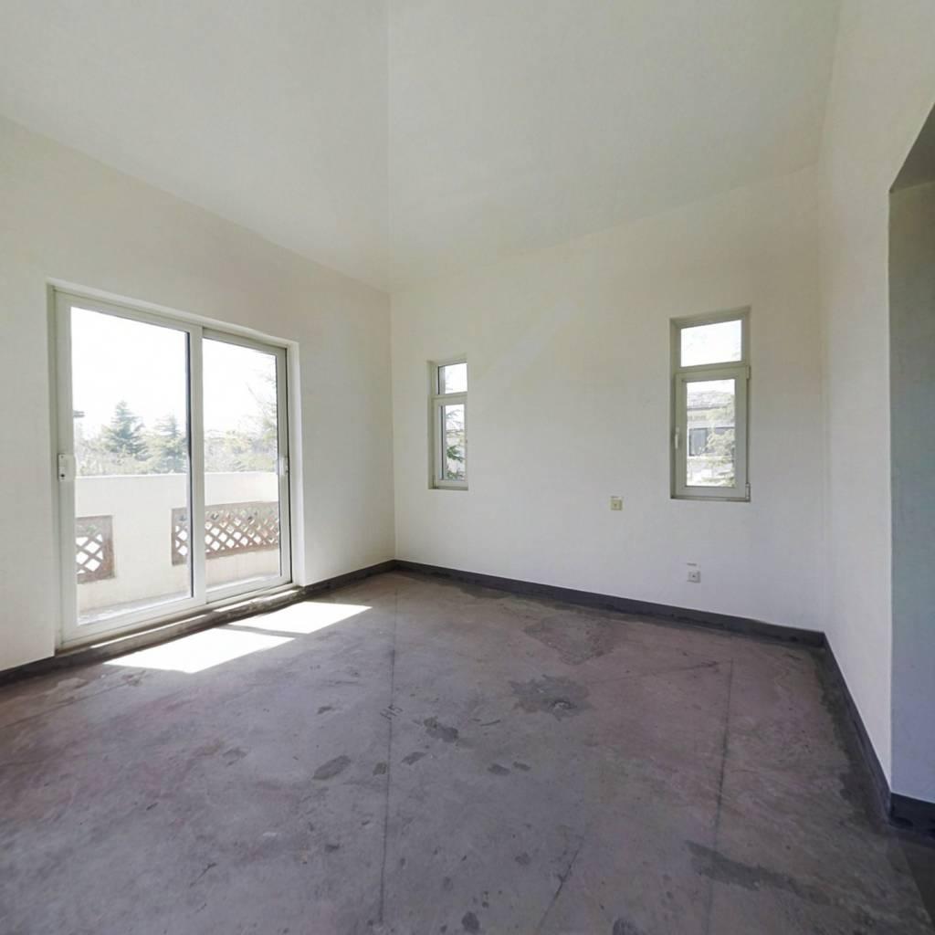龙湖一期四拼独院别墅诚意出售可贷款看房提前预约