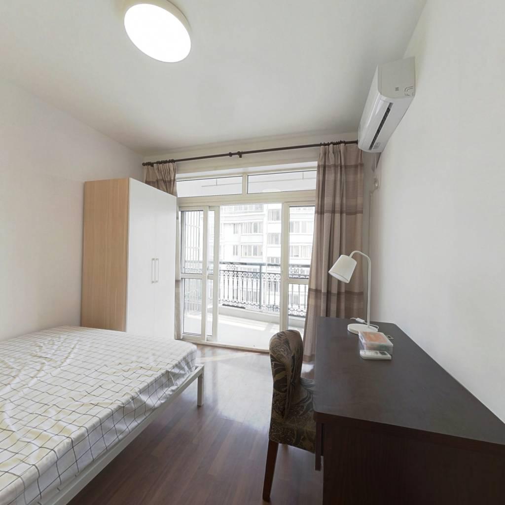 合租·耀江文萃苑 5室1厅 南卧室图