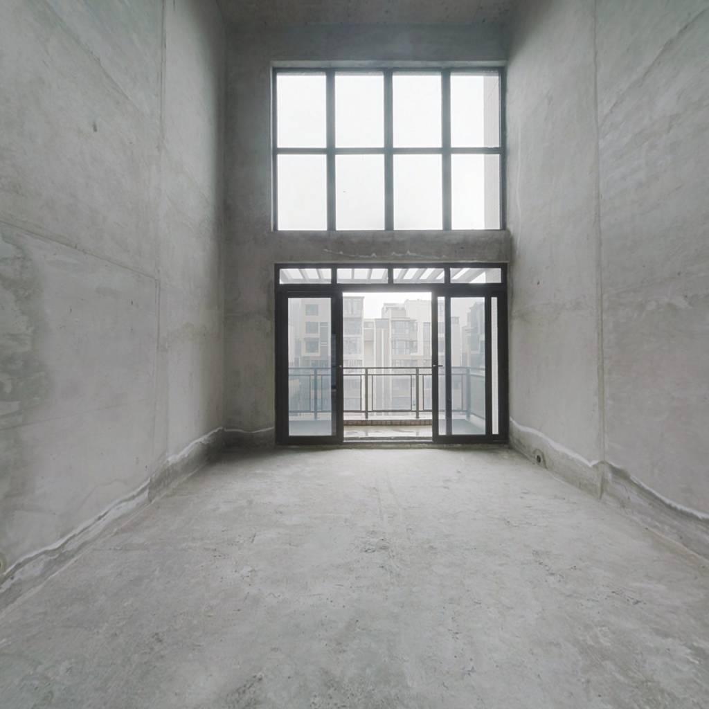 金阳新世界熙院 5室2厅 南 北
