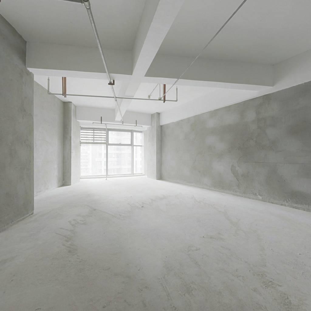 四十年产权公寓 落地窗 视野采光好