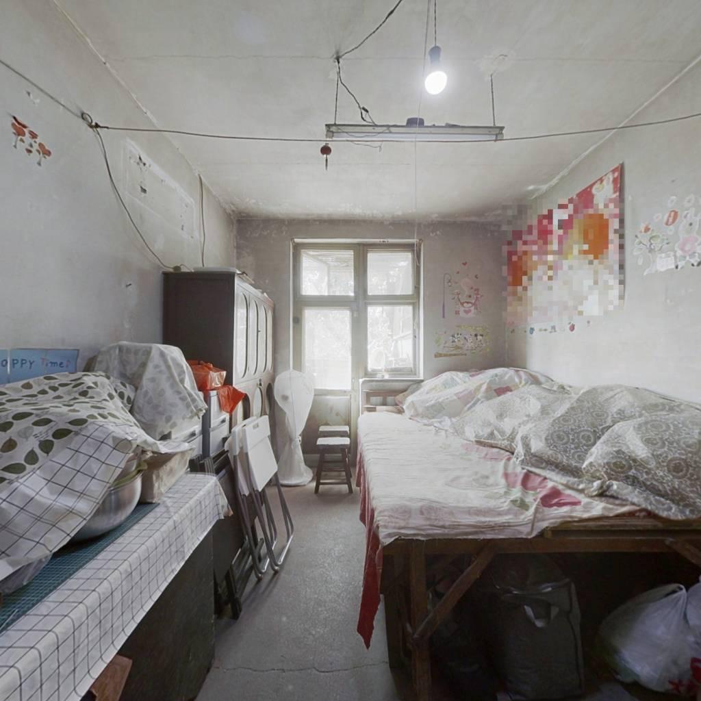 十三段独厨 企业产  卧室阳面