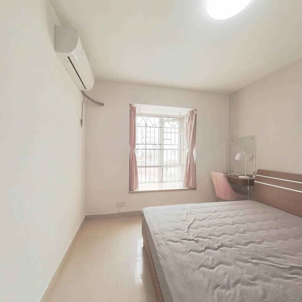 合租·理想家园 3室1厅 东卧室图