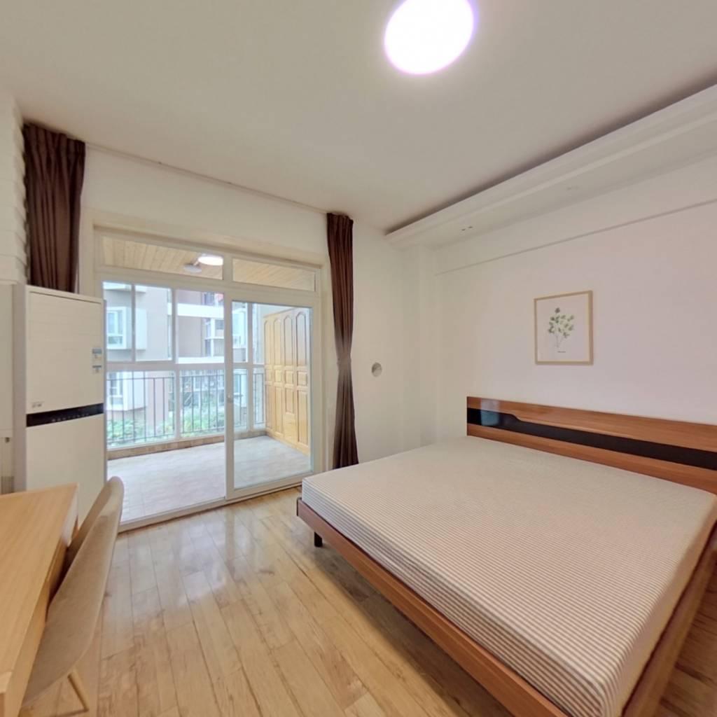 合租·美丽南庭 4室1厅 南卧室图