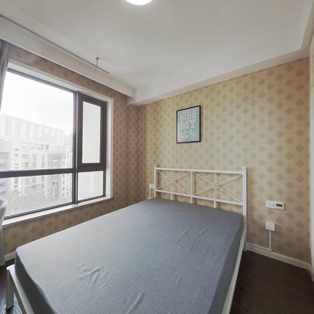 合租·彩虹城 5室1厅 北卧室图
