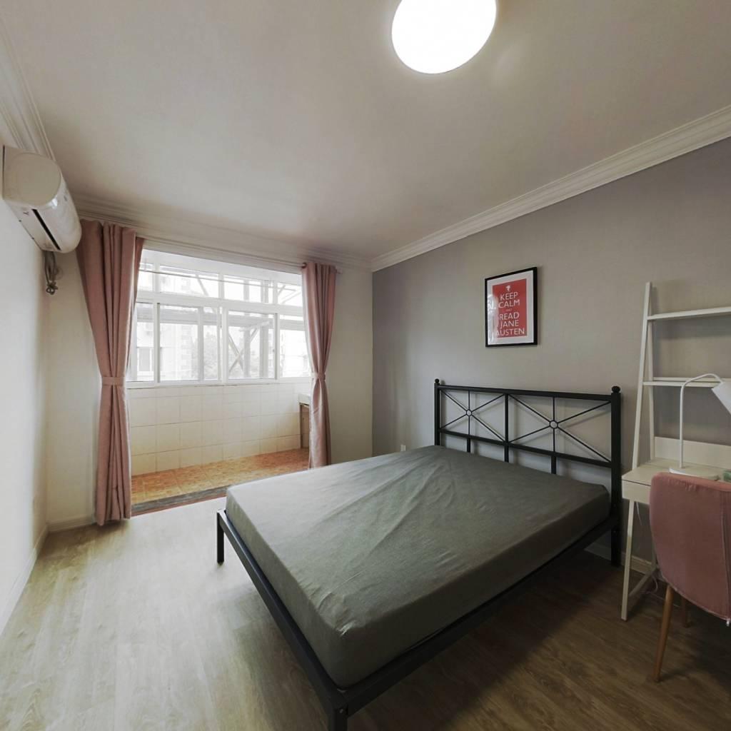 合租·梅园二街坊 3室1厅 北卧室图