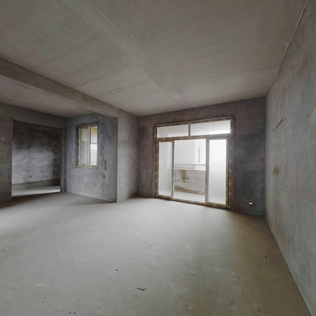 四室二卫,户型方正,结构很好,荧鸿城小区电梯房