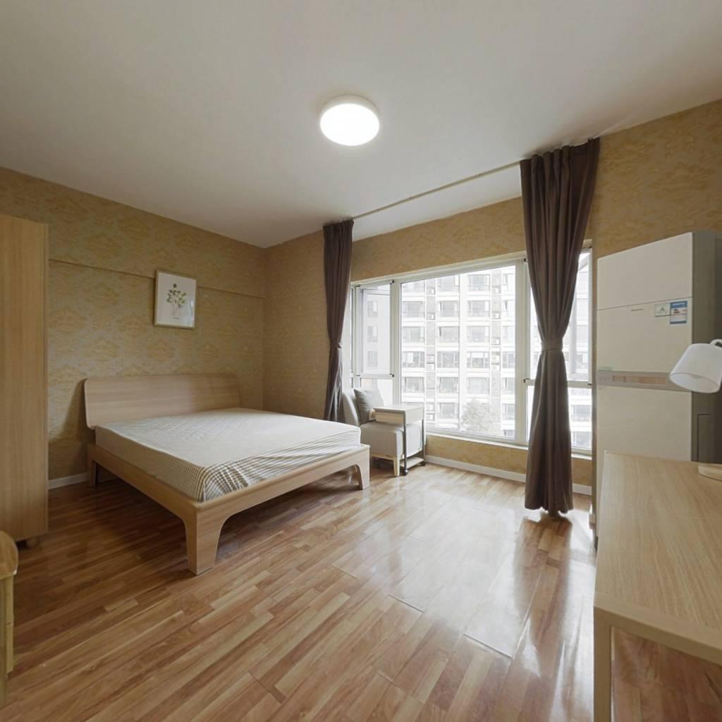 合租·熙城国际 3室1厅 东卧室图