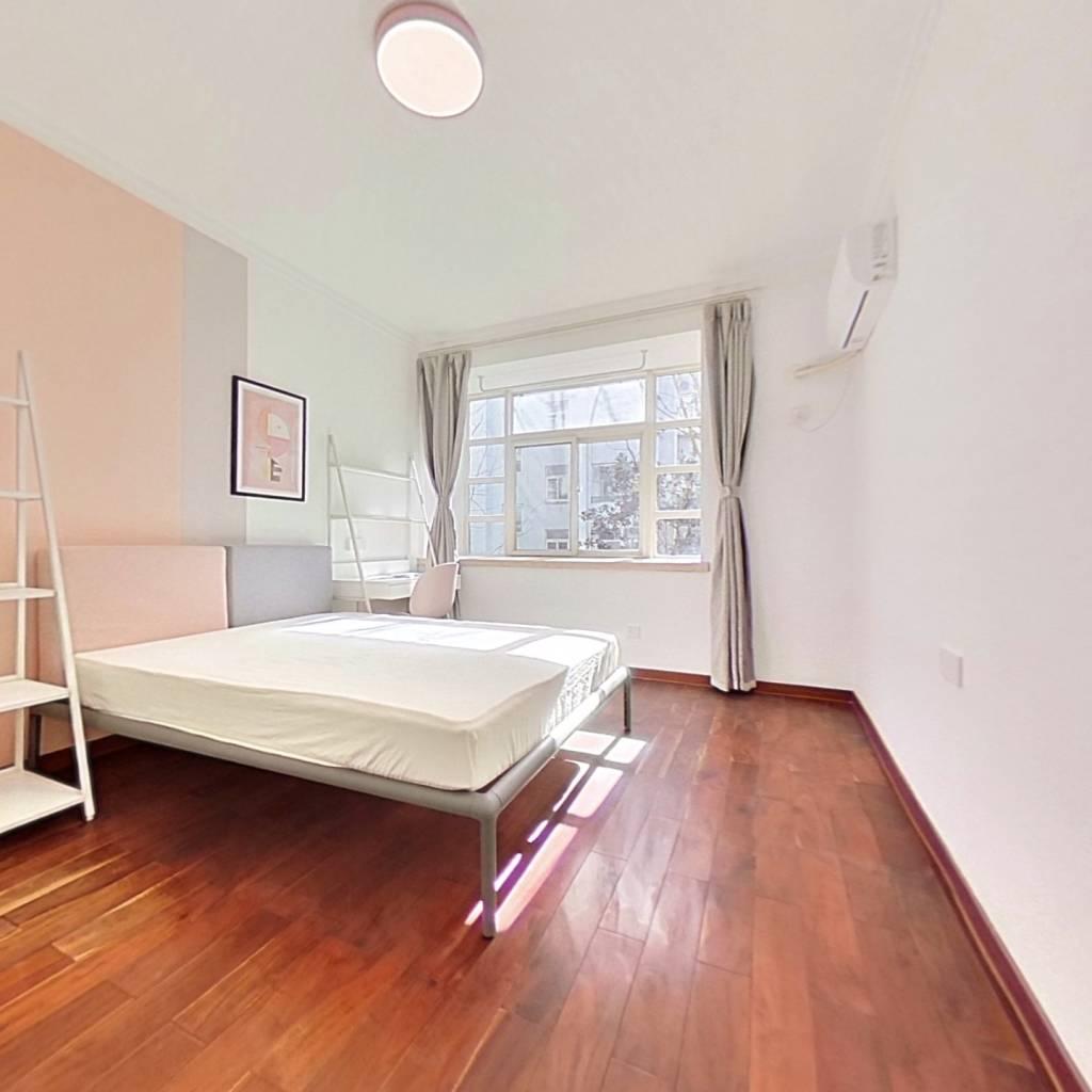 合租·山水华庭 4室1厅 南卧室图