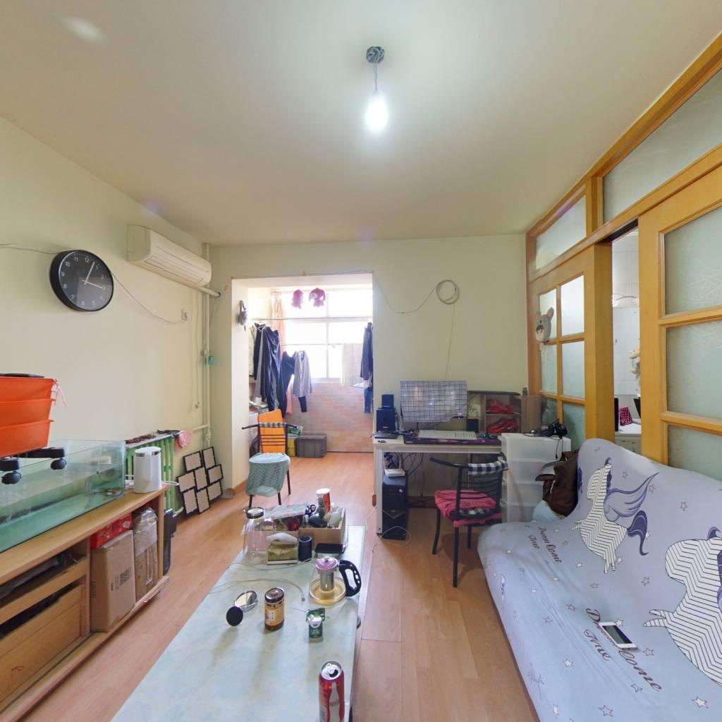 南北通透正规一居室 看房方便 居住环境舒适