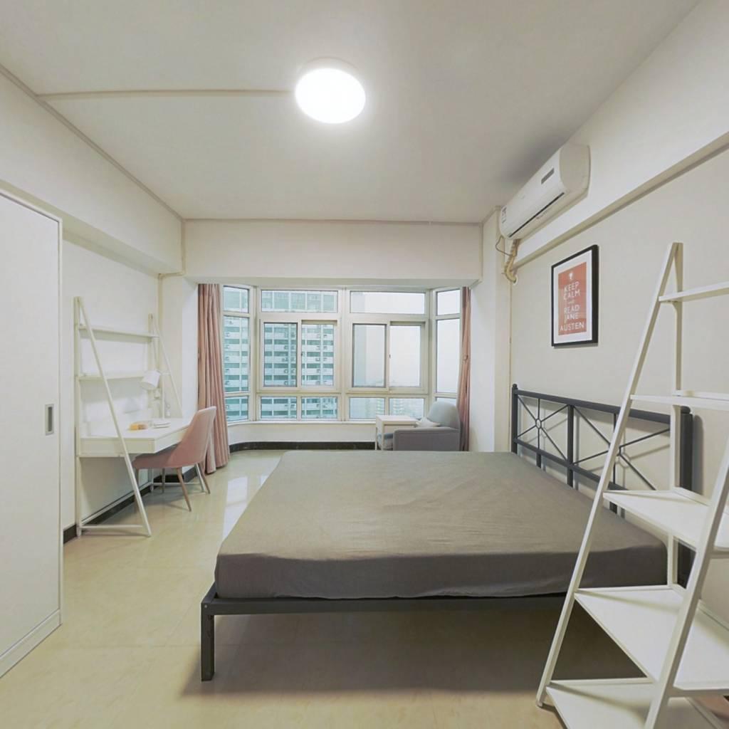 合租·长源大厦(江汉) 4室1厅 东卧室图