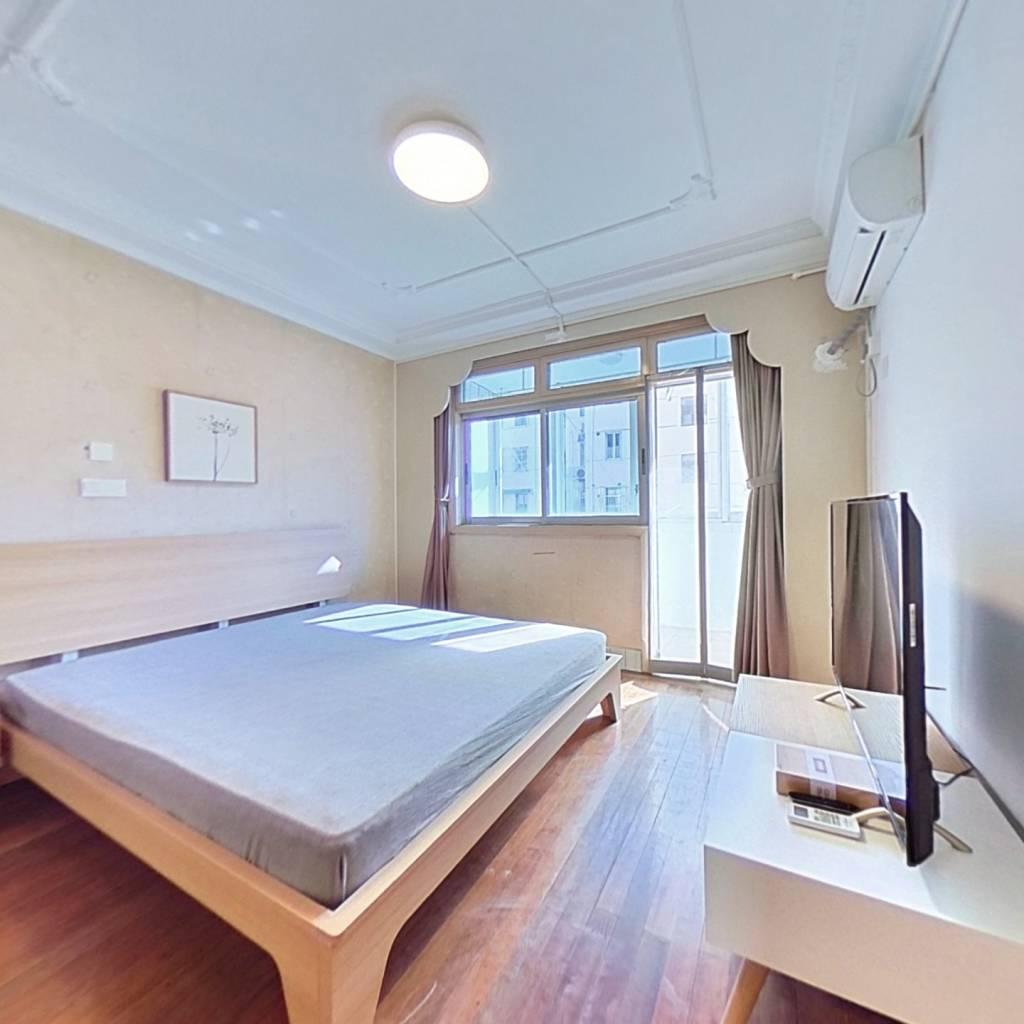 整租·塔城路800弄 2室1厅 南卧室图