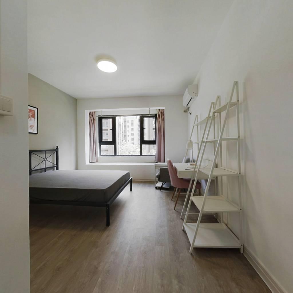 合租·上实海上海 5室1厅 北卧室图