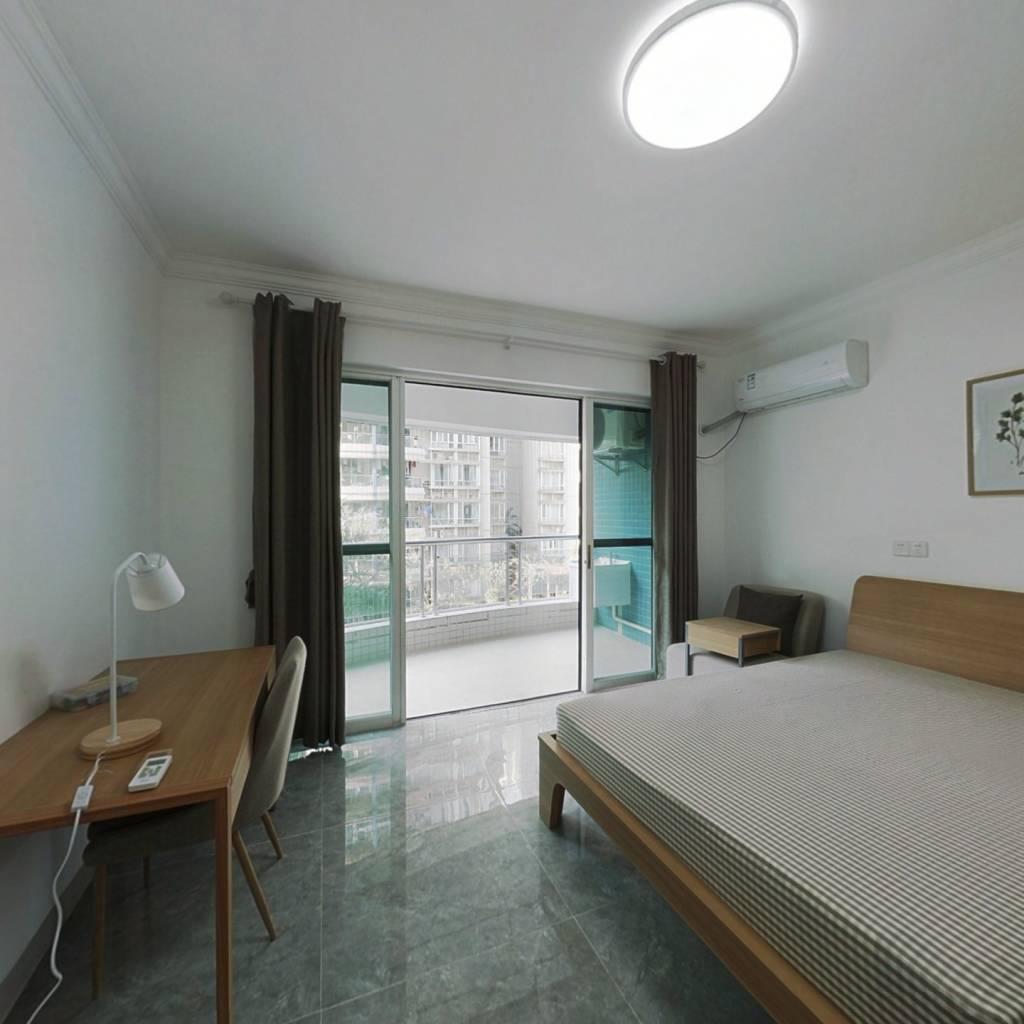 合租·海龙湾 5室1厅 北卧室图