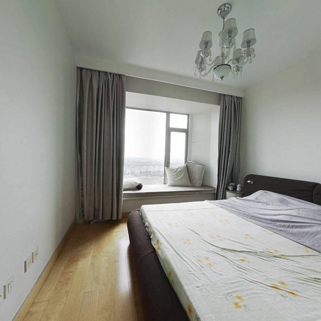 整租·世茂湖滨花园(公寓) 3室2厅 复式 南