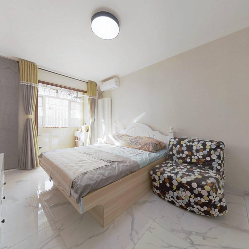 南北通透三居室,精装修,总价低,低楼层。