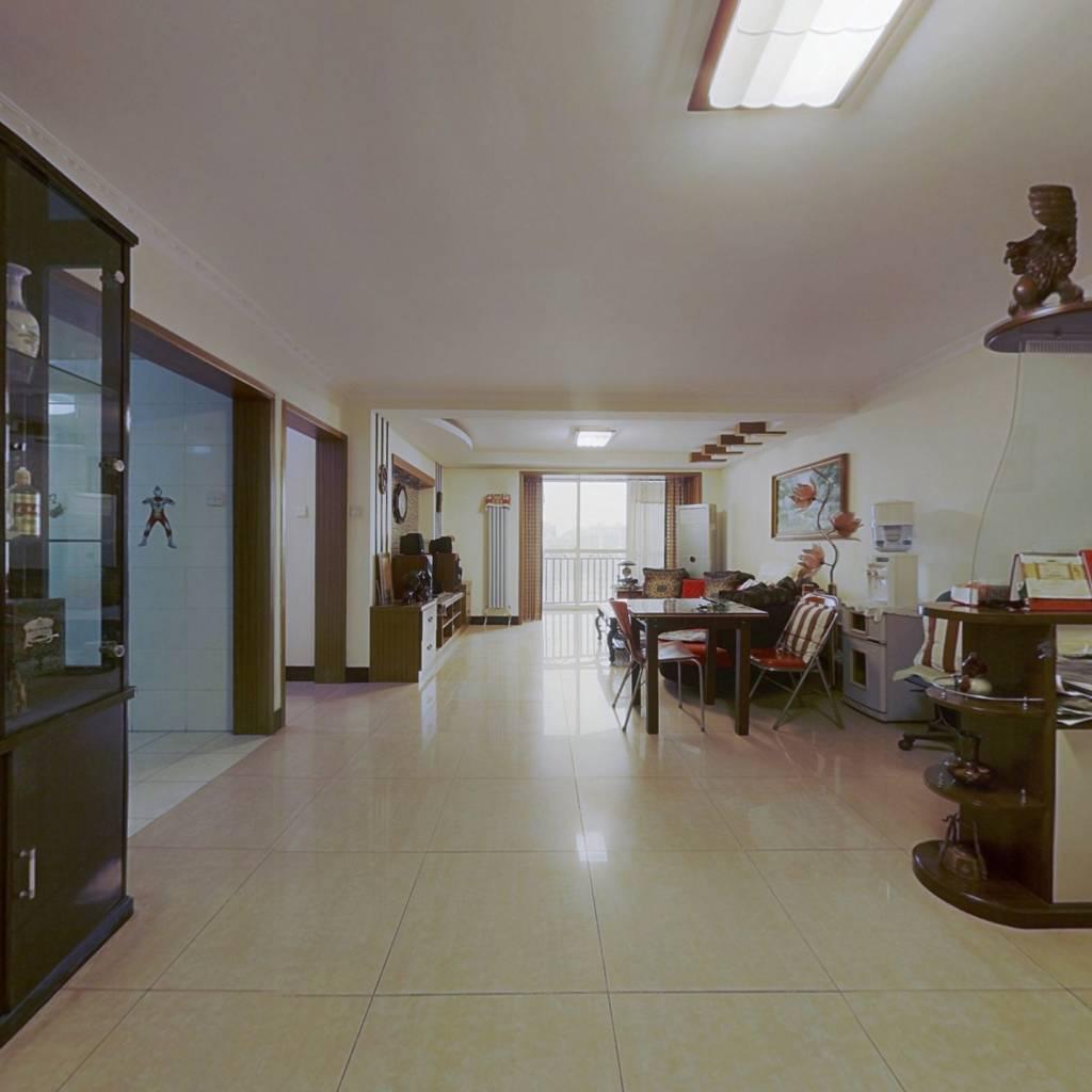 三居室两个卫生间+东南向主体朝南+业主诚心出售