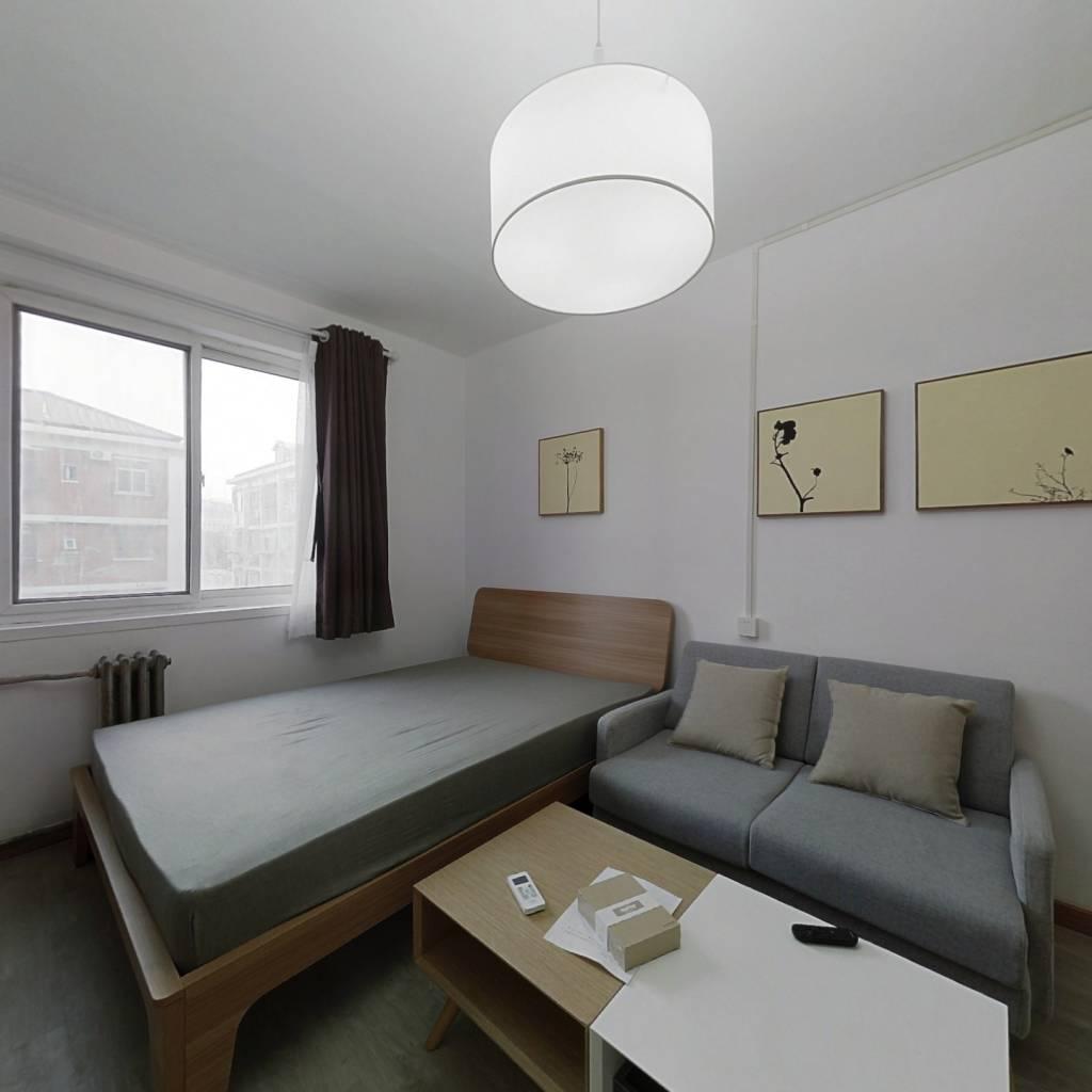 整租·工体南路 2室1厅 南卧室图