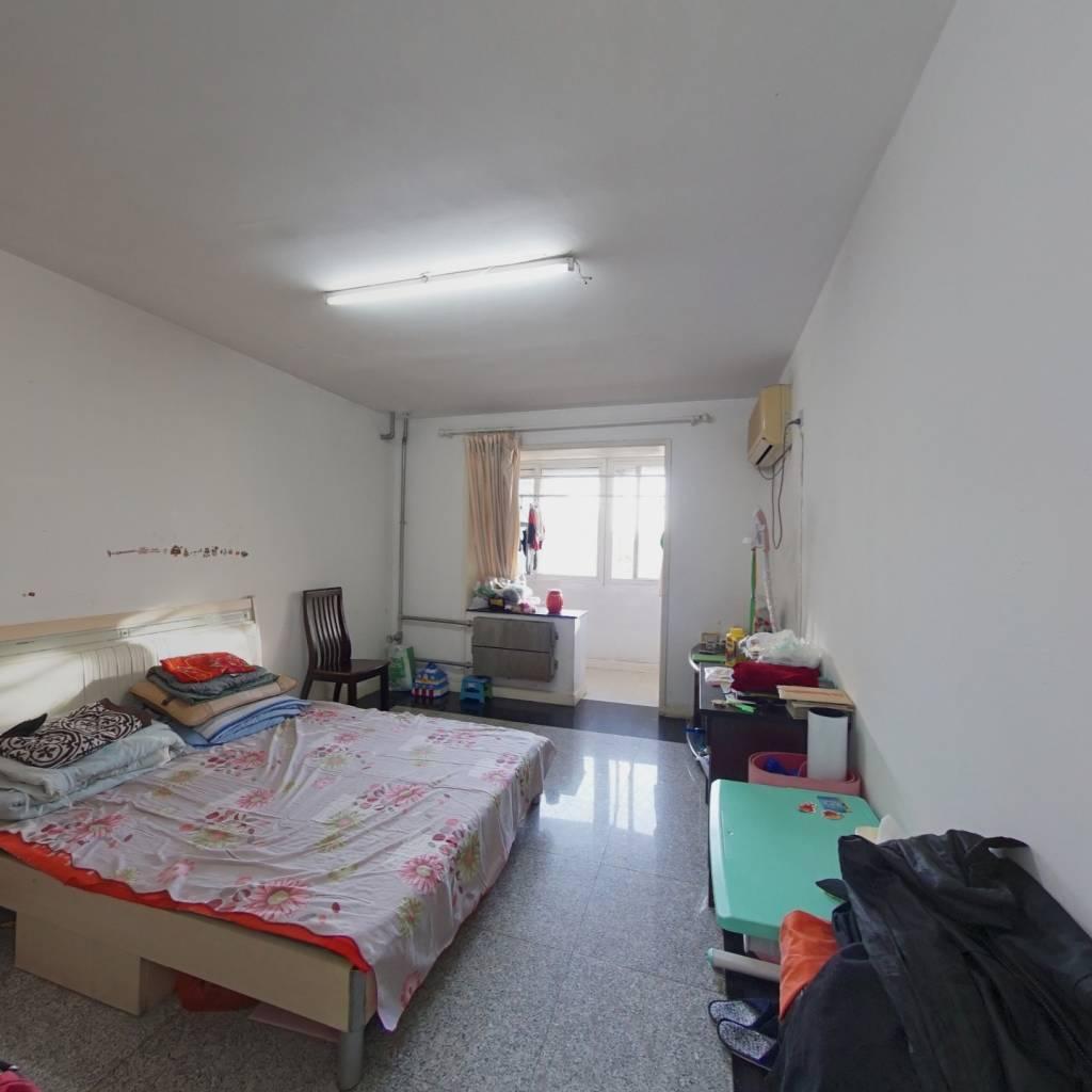 南露园 3室1厅 东 西