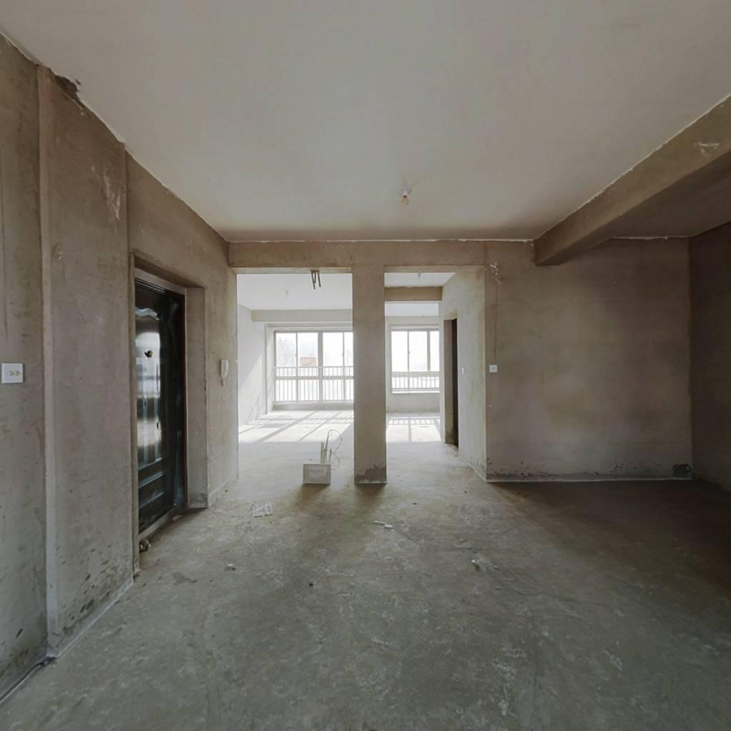 4楼89平方米,带阁楼,带车库