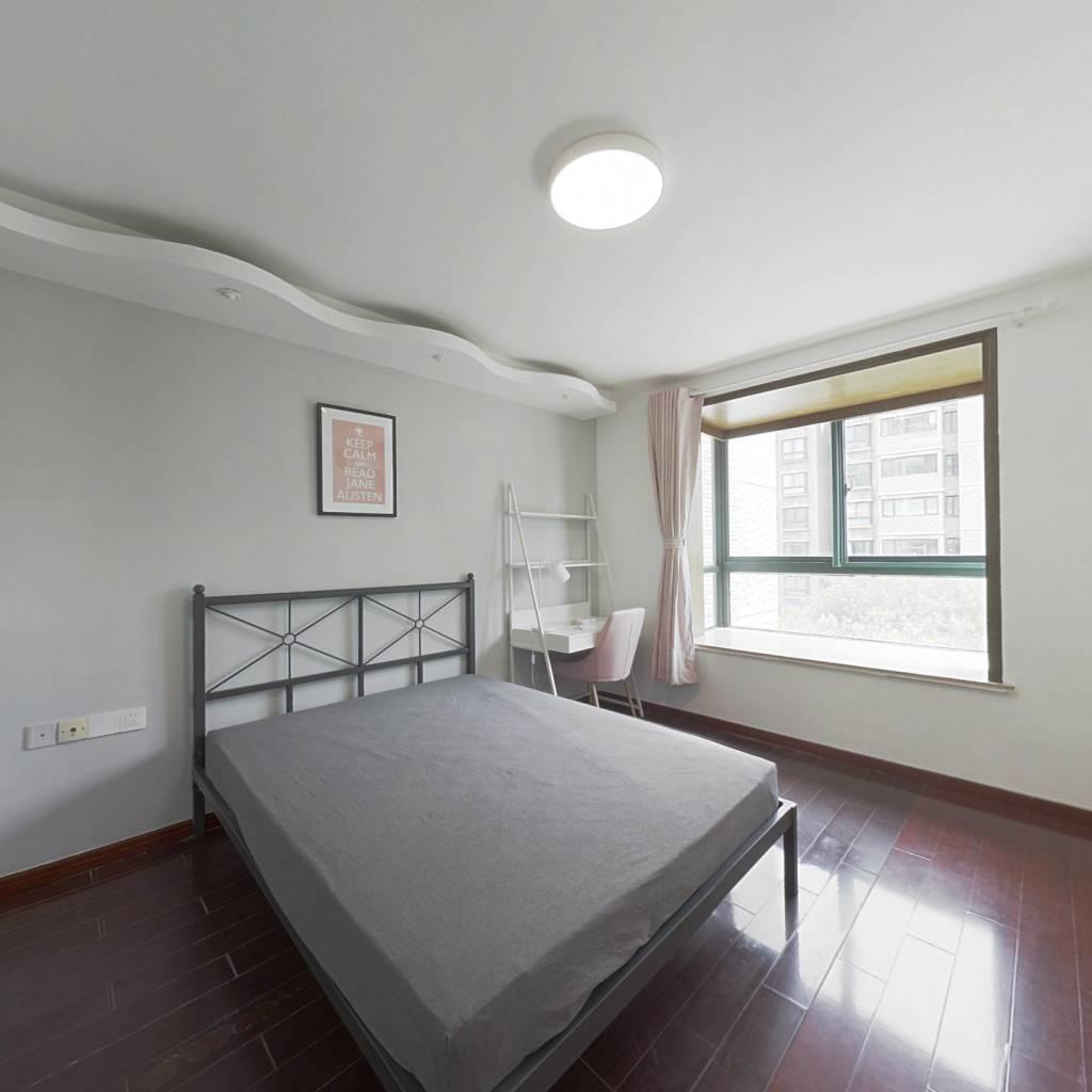 合租·大地豪庭 4室1厅 东卧室图