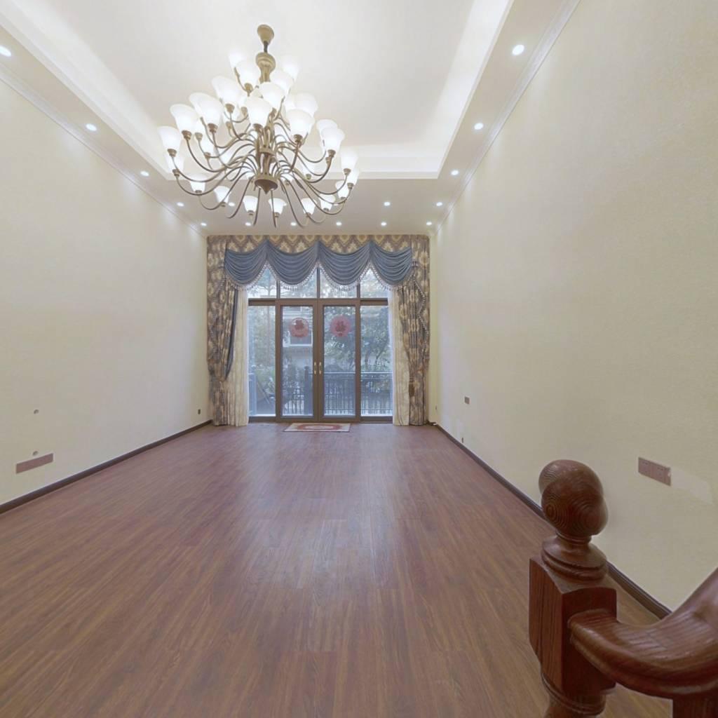 五象万达茂 江湾山语城  复式楼 9居室 装修 看房方便