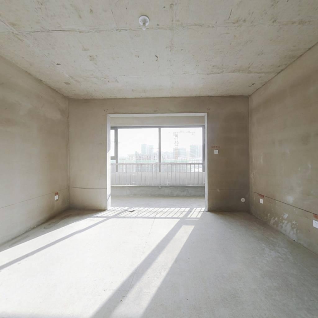 南湖尚城洋房,大四室,全天无遮挡,诚心出售!
