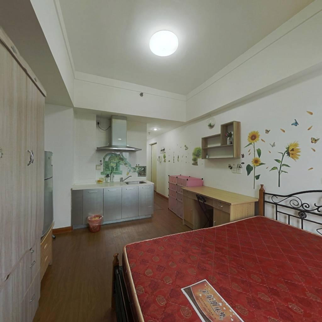 总价56万买台江万达2010年高层电梯小户型