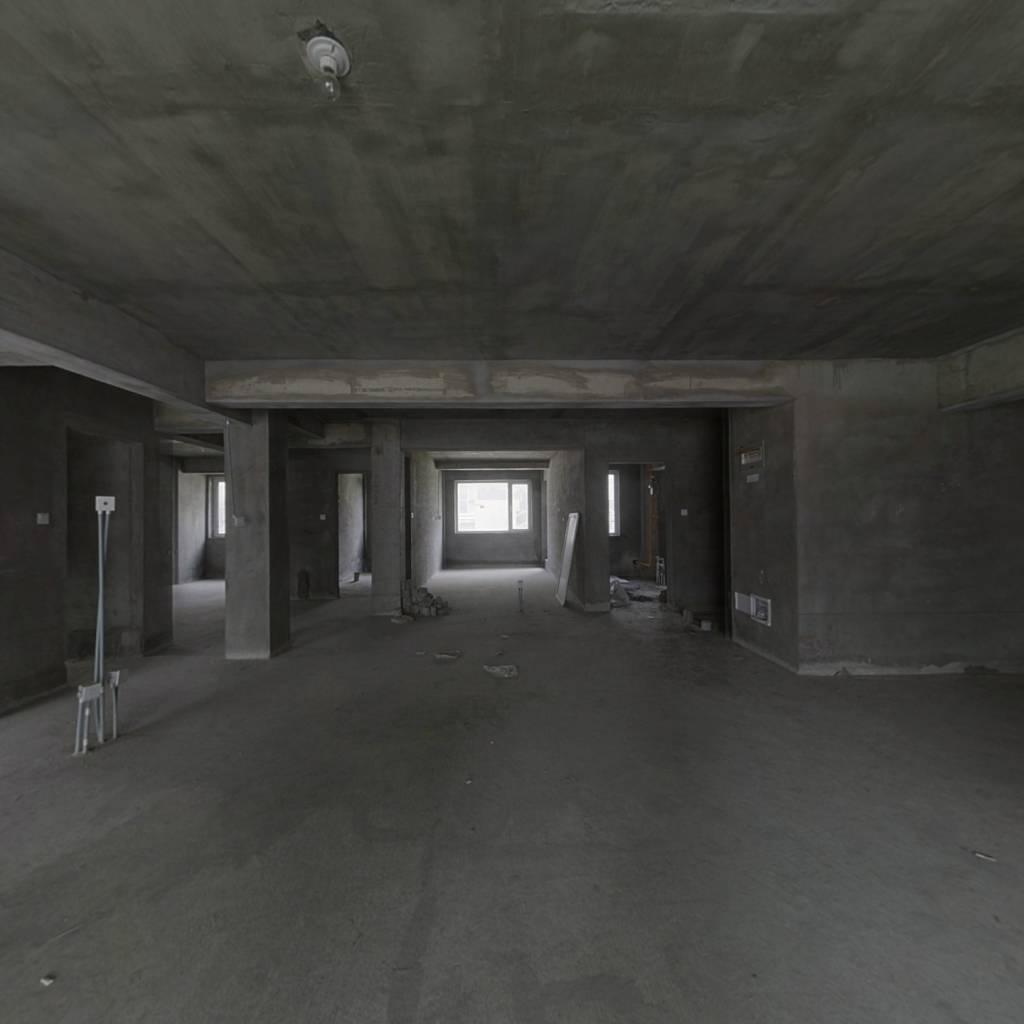登州府第320平一楼负一160万