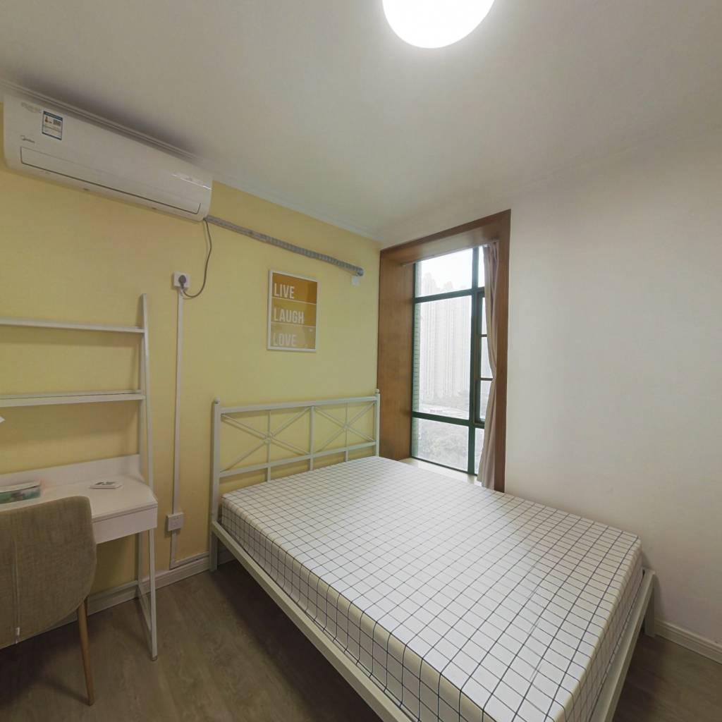 合租·南国花园 5室1厅 南卧室图