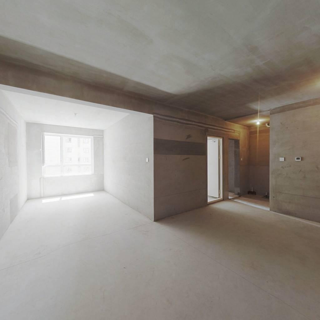 远洋荣域B3区 2室2厅 143万
