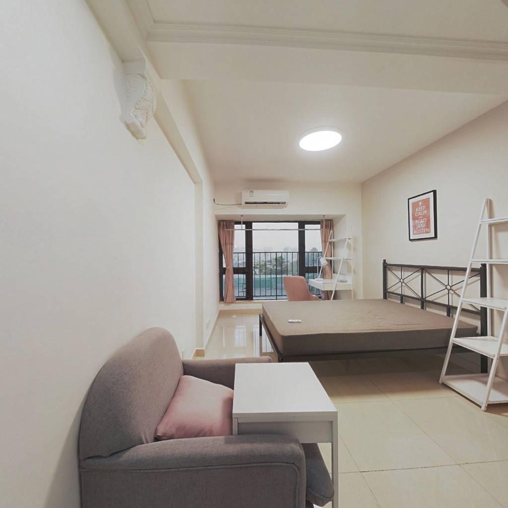 合租·塘朗雅苑 5室1厅 北卧室图