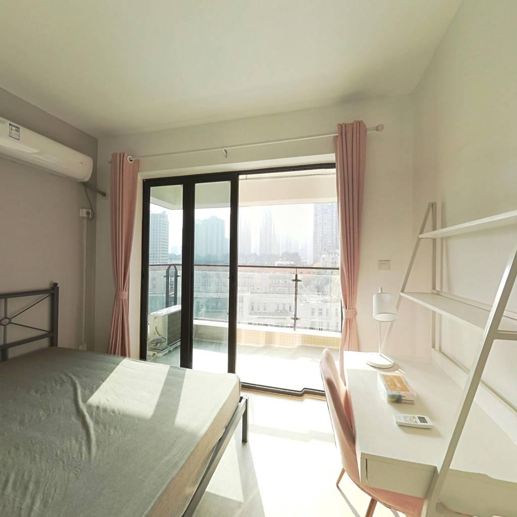 合租·中房优山PLUS 3室1厅 西南卧室图