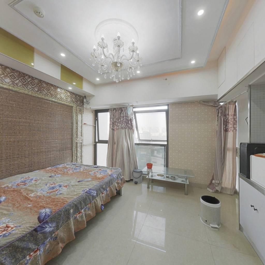百大国际派公寓房,业主诚心出售。