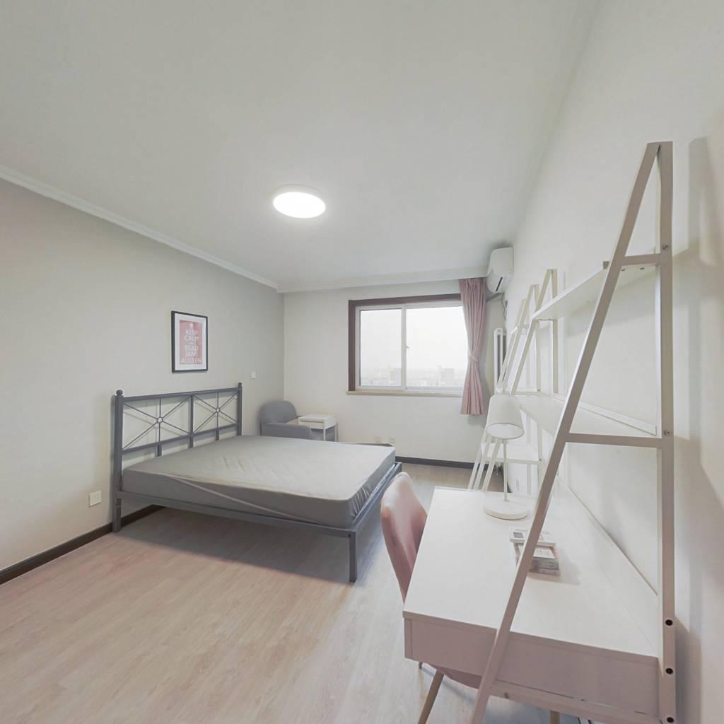 合租·远洋自然 4室1厅 南卧室图