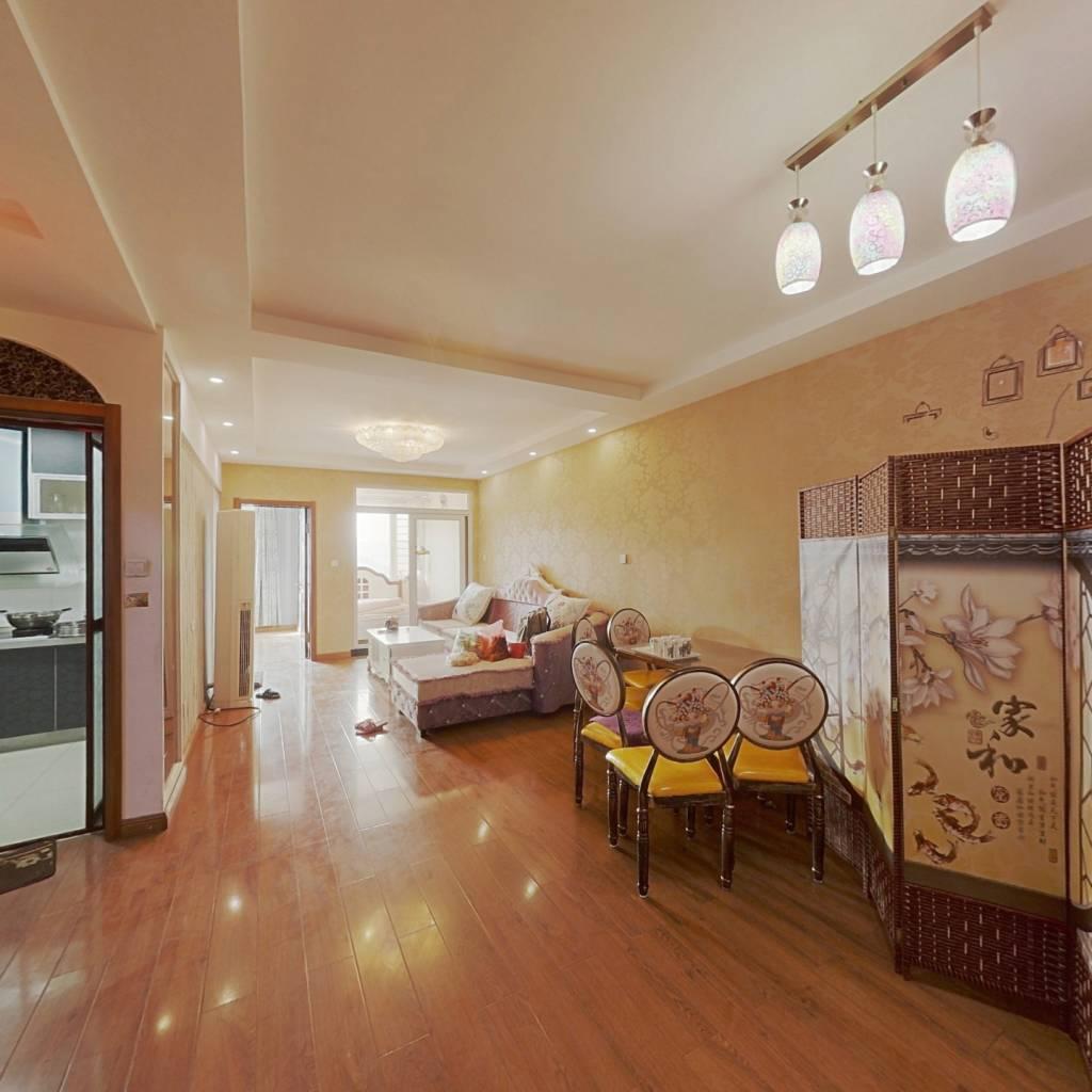 金象泰三居室,前面无遮无挡视野好,看房提前联系
