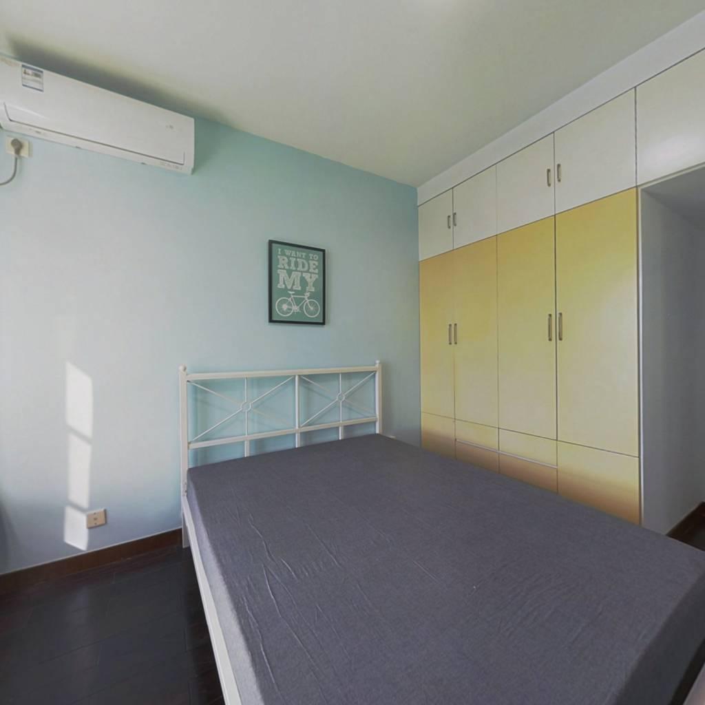 合租·丽岛紫园 5室1厅 南卧室图