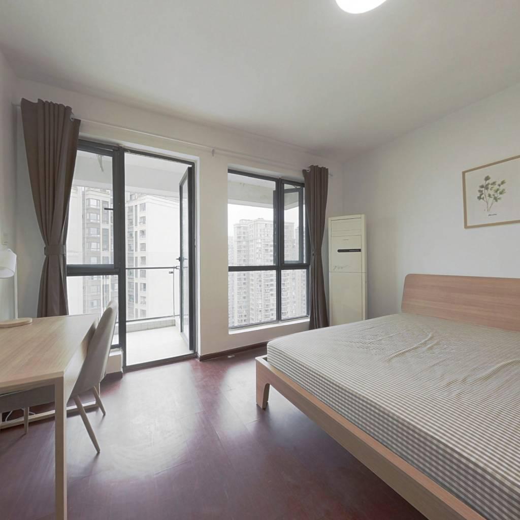 合租·华润凤凰城一期 4室1厅 南卧室图