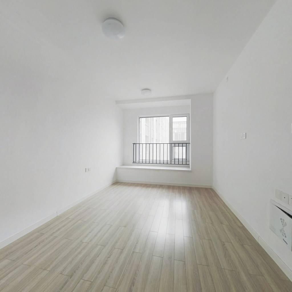万科麓公馆平层公寓随时可看,价格好谈,易出租