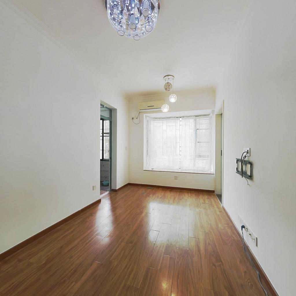 都市兰亭小区,电梯两房,交通方便,一口价245万