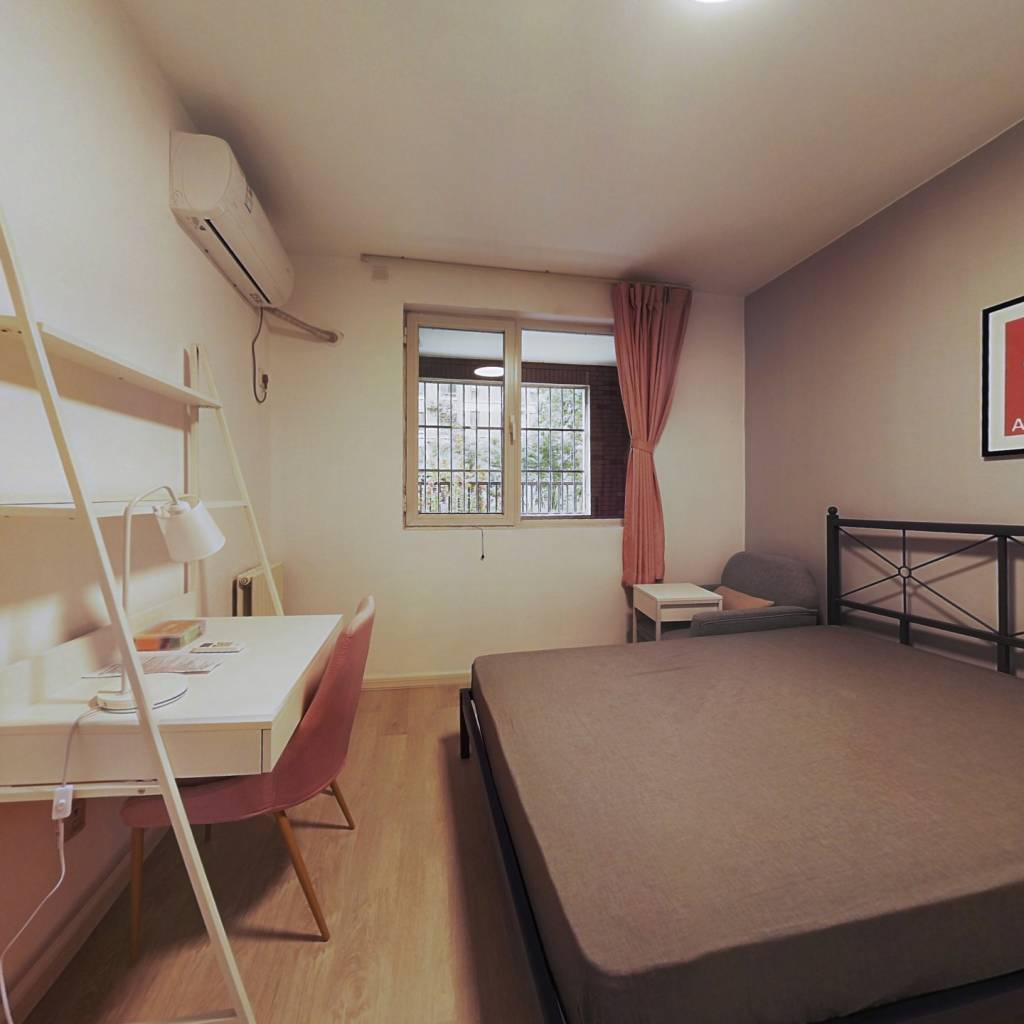 合租·原香小镇一区 3室1厅 西南卧室图