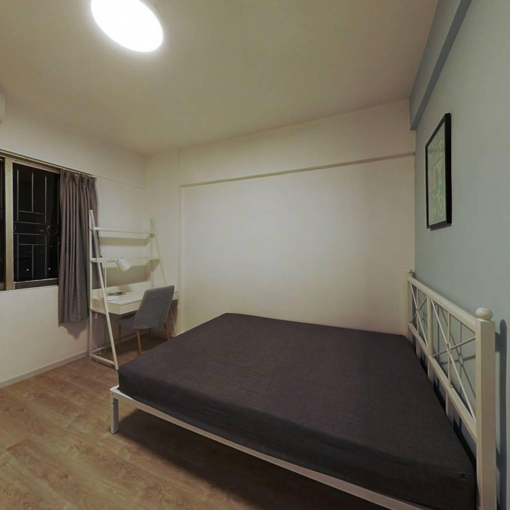 合租·聚德花园 3室1厅 北卧室图